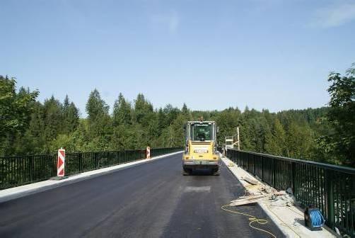 Die Bauarbeiten für 2012 sind abgeschlossen, die Bärentobelbrücke ist wieder befahrbar.