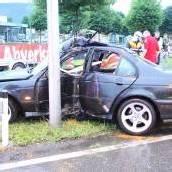 Vier Verletzte bei schwerem Verkehrsunfall