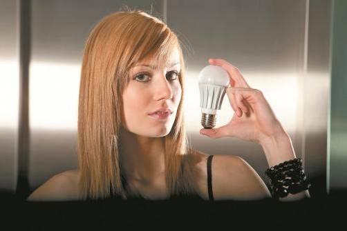 """Die LED-Lampe gilt als das """"Licht der Zukunft"""". Foto: VN/Hartinger"""
