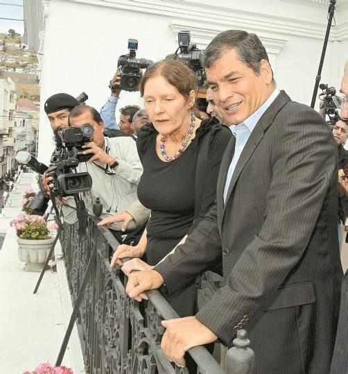 Ecuadors Präsident Correa mit Christine Assange. Foto: DAPD