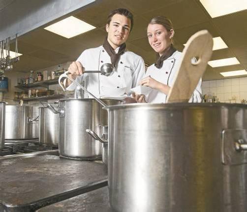 Gerade in der Gastronomie werden viele Lehrlinge gesucht. Foto: VN/Hartinger