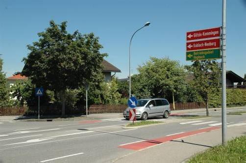 Gilt als neuralgischer Punkt auf der Lastenstraße: die Kreuzung mit der Kommingerstraße (L 58). Foto: VER