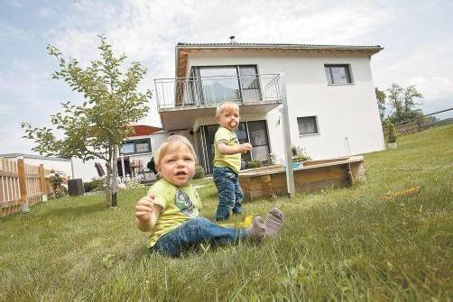 Grund und Boden ist steuerlich gesehen Gemeindesache. Und dabei soll es auch bleiben, meint der Gemeindeverband. Symbolfoto: VN/Hartinger