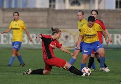 Im VFV-Toto-Cup-Halbfinale waren Rankweil und der FC Lustenau (im Bild Corina Pezzei/r.) zuletzt aufeinandergetroffen, RW gewann 2:1. Stiplovsek