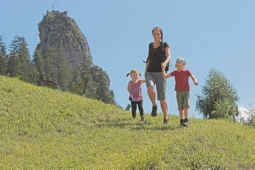 """In einem weiteren Teil der Serie """"Wo Vorarlberg am schönsten ist"""" stellen die VN das Ebnit vor. Ob zum Wandern, Klettern, Reiten oder einfach nur Entspannen – einen Besuch ist das Walserdorf allemal wert. /A8 Foto: L. Berchtold"""