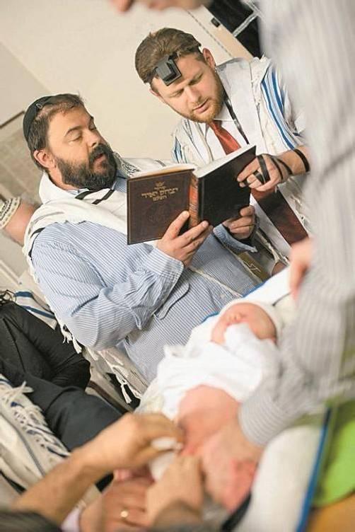 Jüdisches Beschneidungsritual: Einige Experten kritisch. Foto: APA
