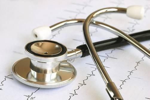 Kardiologen raten zur Vermeidung von dauernden Nachtschichten und zu einer Beschränkung auf maximal zwölf Stunden. shutterstock