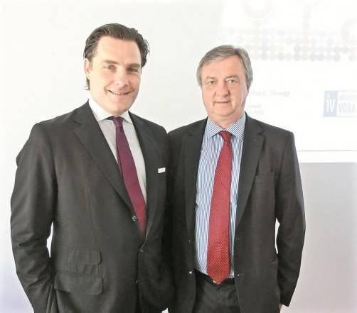 Markus C. Slevogt und IV-Präsident Hubert Bertsch. Foto: Burtscher