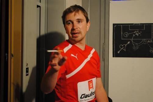 Martin G. Wanko bringt seinen dritten Fußball-Monolog auf die heimischen Bühnen. Genau richtig: Kurz vor Anpfiff der EURO 2012. foto: tas