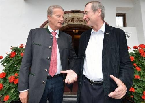 Mitterlehner und Leitl waren sich bezüglich der Förderung von Investitionen nicht einig. Foto: APA