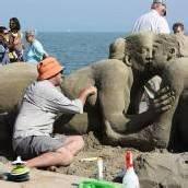 Vergängliche Kunst aus Sand gebaut
