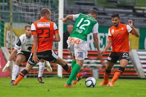 Schoss seinen siebten Saisontreffer im achten Spiel – Thiago de Lima Silva (Nummer zwölf) sicherte der Austria einen Punkt in einem hektischen Derby. Foto: Steurer