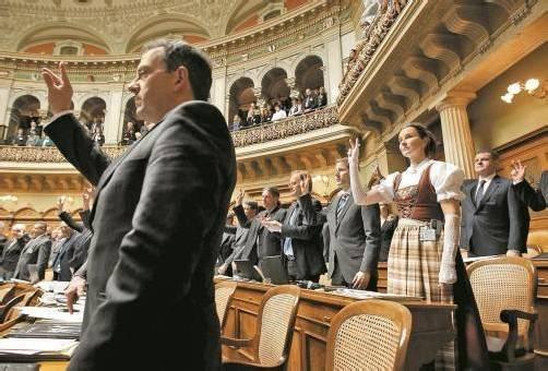Schweizer Nationalrat: Abgeordnete segneten Steuerabkommen ab. Jetzt begehrt das Volk auf. Foto: Reuters