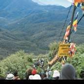 Eine endlose Karawane zieht zum Adams Peak