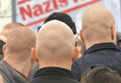 Weil er seine Hakenkreuz-Tätowierung auf einem Fest herumgezeigt hat, steht ein 26-jähriger Skinhead demnächst in Feldkirch vor Gericht. Foto: VN