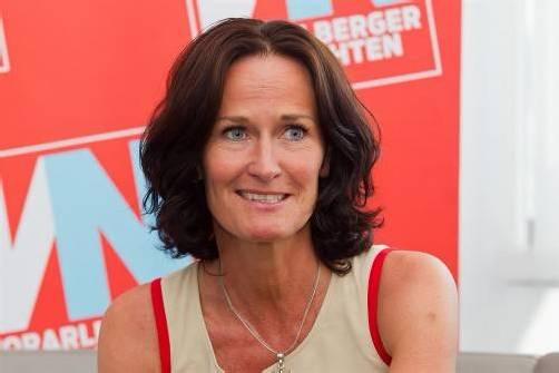 """Soll Harald Walser Bildungsminister werden? """"Kann ich mir vorstellen"""", sagt Grünen-Chefin Glawischning (43) im VN-Interview. Foto: VN/Steurer"""