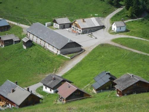 Sollen noch im Sommer beginnen: Modernisierungen auf der Alpe Gamp oberhalb von Nenzing. Foto: em