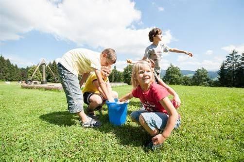 Spaß haben und dabei viele Freunde kennenlernen steht beim Ferienheim in Bildstein an erster Stelle. Foto: Rhomberg