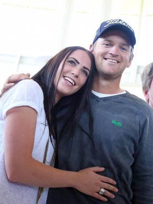 Startet in Ohio: Bernd Wiesberger mit Freundin Claudia. Foto: apa