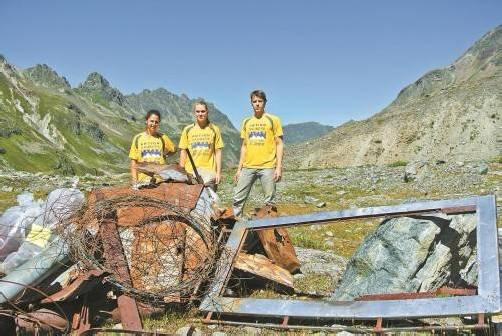Studenten haben den Sommer über 20.000 Liter Müll in Vorarlbergs Bergwelt gesammelt und entsorgt.
