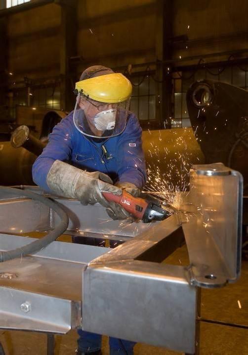 Unsere Wirtschaft unsere Zukunft Firma Liebherr Industrie Handwerk Montage Stahl