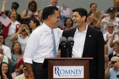 Ziehen gemeinsam in den US-Wahlkampf gegen Präsident Obama: Spitzenkandidat Mitt Romney mit dem Spar-Hardliner Paul Ryan (v. l.). Reuters