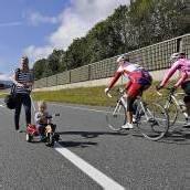 Fußgänger und Radfahrer blockierten Autobahn