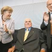 Kohl nach zehn Jahren wieder im Bundestag