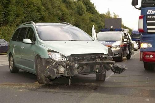 Am Unfallauto entstand Totalschaden. Foto:vn/paulitsch