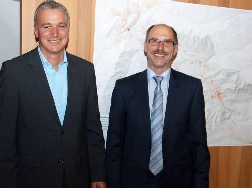 Anton Mähr (r.) wurde zum Bürgermeister, Gerhard Rauch zum Vize gewählt. Foto: Hronek