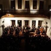Fremd-vertraut ins neue Konzertjahr