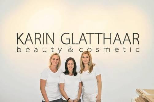 """Das Team von """"Glatthaar beauty & cosmetic"""" in Hohenems: Karin Glatthaar, Sandra Lampert und Vesna Maksan. FOTOS: PRIVAT"""