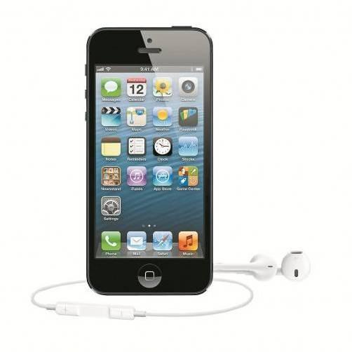 Das neue iPhone 5 kommt mit neuen Kopfhörern und neuem Anschluss. Letzterer sorgt für Unmut, denn das bisherige Zubehör kann damit nicht mehr genutzt werden. Foto: Apple