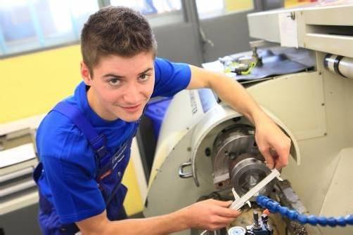 Eine Ausbildung im Maschinenbau, ob in Lehre, Schule oder Studium, verspricht beste Chancen.  Foto: Hartinger