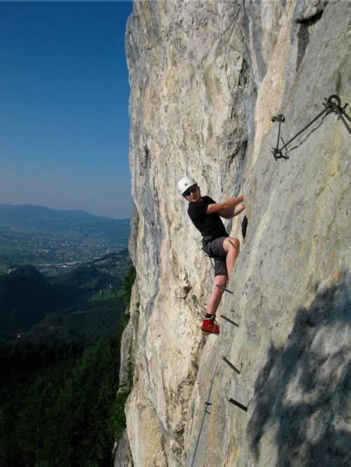 Der Alpenverein Götzis saniert den Klettersteig am Kapf. Foto: bk