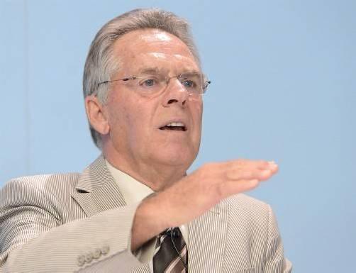 Der Präsident des Österreichischen Eishockeyverbandes, Dieter Kalt, scheint den Wert der Nachwuchsarbeit erkannt zu haben. Foto: Apa