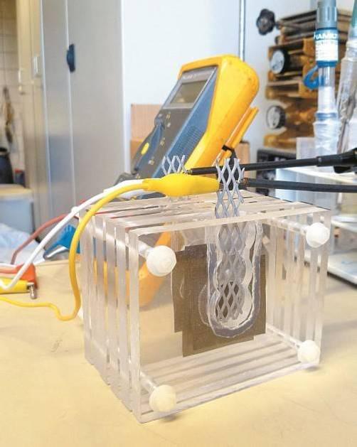 Der Prototyp eines gestickten Akkumulators. Foto: WKV