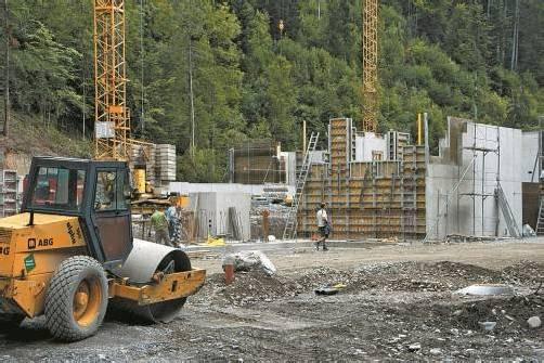 Die Bauarbeiten beim Dienstleistungszentrum Blumenegg schreiten planmäßig voran. Foto: Hronek