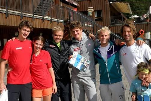 Die SBX-Asse Alessandro Hämmerle, Susi Moll, Markus Schairer, Michael Hämmerle und Hanno Douschan mit Trainer Tom Greil (v. l.). Foto: ÖSV
