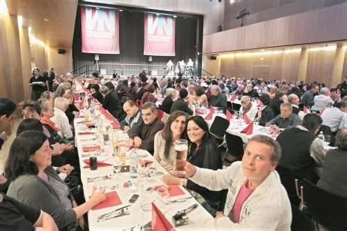 Die VN-Austräger genossen einen unterhaltsamen Dankeabend in der Kulturbühne AMBACH in Götzis. Foto: VN/Hartinger