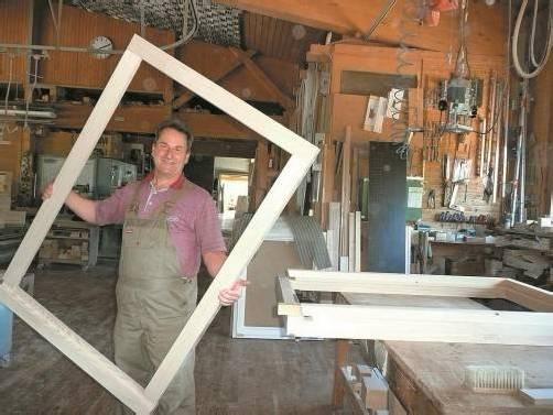 Dietmar Hirschbühl verbindet im Fensterbau Erfahrung mit dem neuesten technischen Know-how. Foto: M.Matt