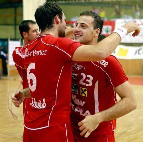 Dominik Schmid und Marko Krsmancic (r.) waren mit ihren insgesamt  16 Toren ausschlaggebend für den Sieg über Dinamo Poltava.  foto: gepa