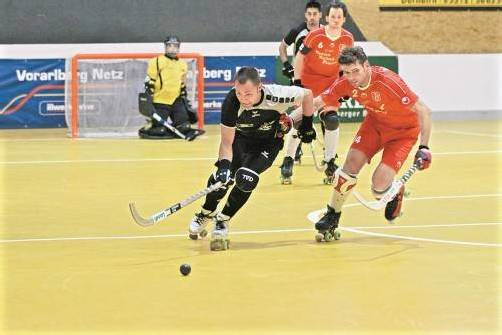 Dornbirn-Spielertrainer Dominique Kaul war mit sechs Treffern Matchwinner im Derby gegen Wolfurt. Foto: schwämmle