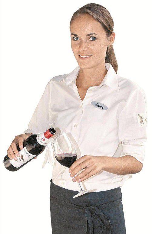 Empfing die Gäste: Servicelady Maria Huber.
