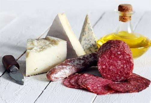 Für vier Tage wird dem Leutbühel in Bregenz italienisches Flair eingehaucht. Spezialitäten aus verschiedensten Regionen Italiens werden zum Genießen und zum Kauf angeboten. foto: fotolia