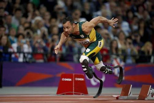 Fulminanter Start für Leichtathletik-Star Oscar Pistorius bei den Paralympischen Spielen in London. Foto: AP