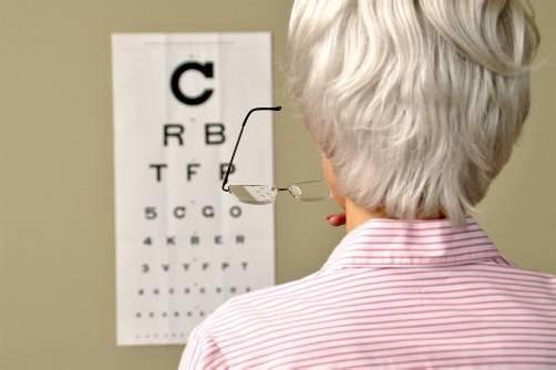 Kontrolltermine beim Augenarzt sind derzeit kaum zu bekommen.