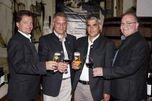 Gastgeber Heinz Huber mit Hanno Kleinbrod, Markus Hämmerle und Egon Haueis (v. l.). FOTOS: FRANC