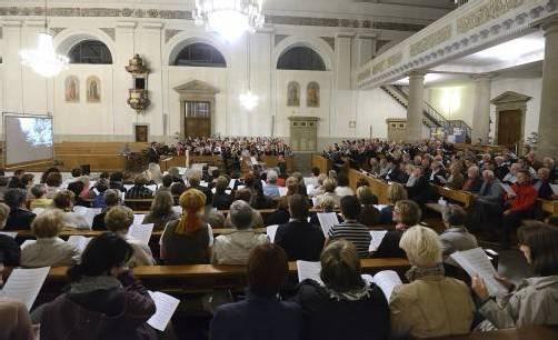 Großes Chorkonzert mit fünfzehn Chören