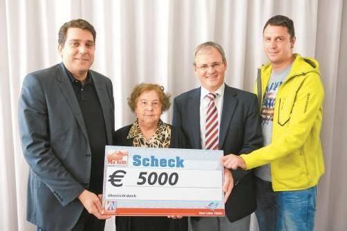 Harald Köhlmeier, Elly Böhler, Harald Sonderegger und Daniel Bereuter (v. l.): 5000 Euro für Emilian. Fotos: vn/kh
